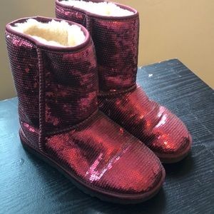 Short Ugg boots- red sparkles
